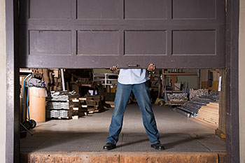 State Garage Door Repair Service Waukegan, IL 224-326-0859